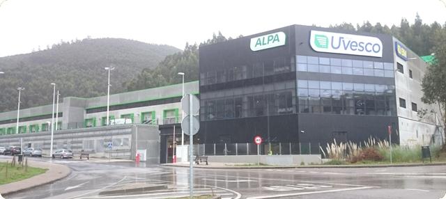 exterior de la nueva plataforma logística de producto fresco de Castro Urdiales Cantabria